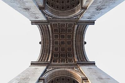 Upwards view of Arc de Triomphe; Paris, France - p442m1179921 by Terence Waeland