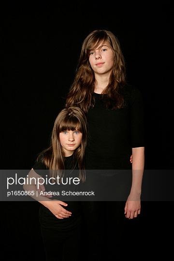 Schwestern - p1650865 von Andrea Schoenrock