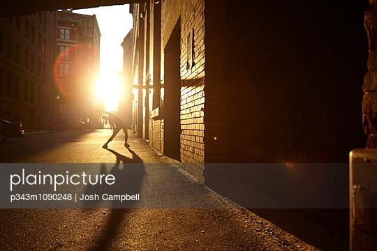 p343m1090248 von Josh Campbell