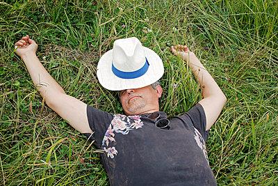 Sleeping in the grass - p1307m2020348 by Agnès Deschamps