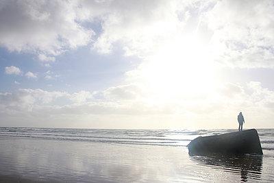 Mensch am Meer - p1268m1139024 von Mastahkid