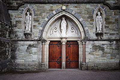 Kircheneingang - p1272m1115498 von Steffen Scheyhing