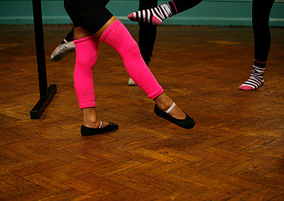 Learning to dance - p5910109 by Celine Marchbank
