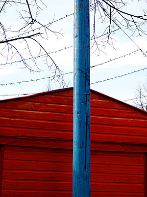 Red cabin - p813m956636 by B.Jaubert