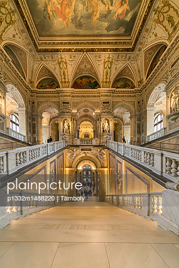 Natural History Museum, Vienna - p1332m1488220 by Tamboly
