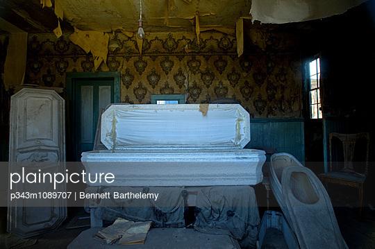 p343m1089707 von Bennett Barthelemy