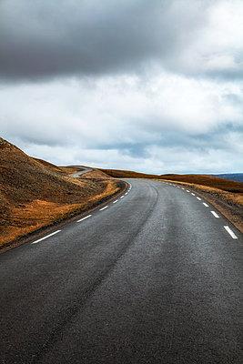 Straße am Nördlichen Ende Europas - p1168m1556494 von Thomas Günther