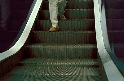Escalator - p0190132 by Hartmut Gerbsch