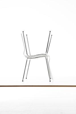 Stuhl - Variationen - p1212m1217441 von harry + lidy