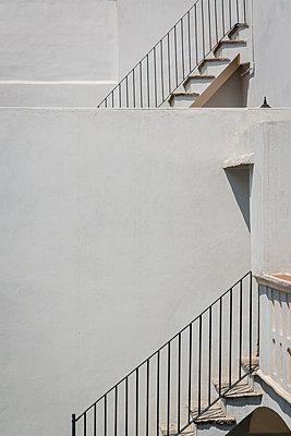 Weiß gekalktes Haus in Mexiko - p1170m1584920 von Bjanka Kadic