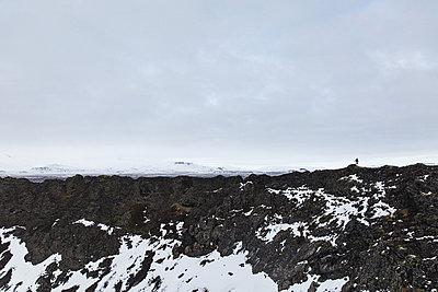 Mountain hiker on mountain ridge - p1477m1586435 by rainandsalt