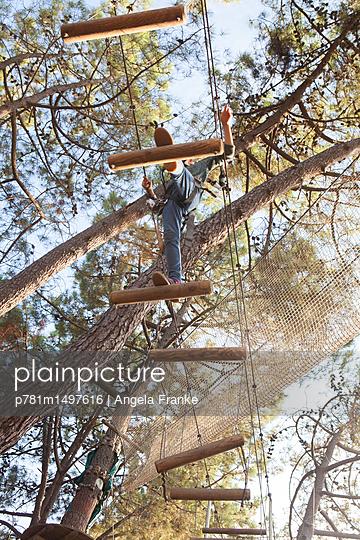 Kletterpfad - p781m1497616 von Angela Franke