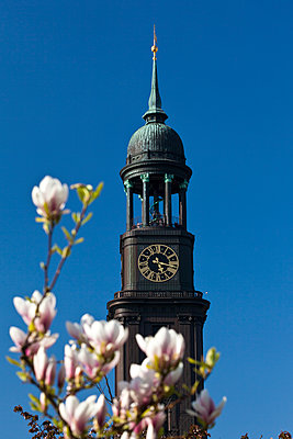 Clock tower, St. Michaelis Church, Hamburg, Germany - p1501m2071083 by Alexander Sommer