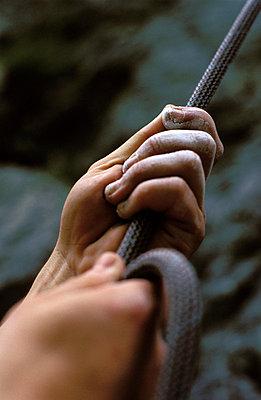 Hands pulling - p0810033 by Alexander Keller