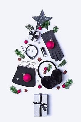 Christmas tree - p1149m2039192 by Yvonne Röder