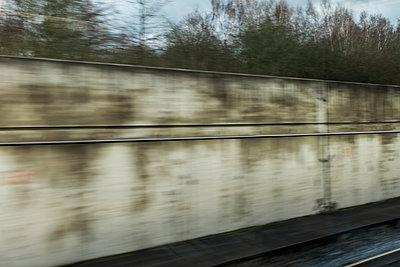 Bahnfahrt - p280m1222048 von victor s. brigola