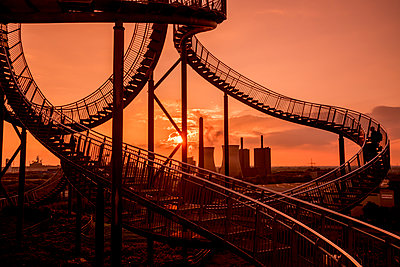 Tiger & Turtle Magic Mountain Duisburg - p401m2191710 von Frank Baquet