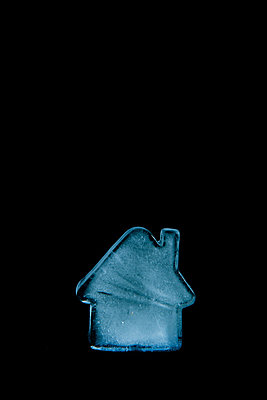 House made of ice - p451m866075 by Anja Weber-Decker