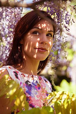 Schöne Frau - p045m2038687 von Jasmin Sander
