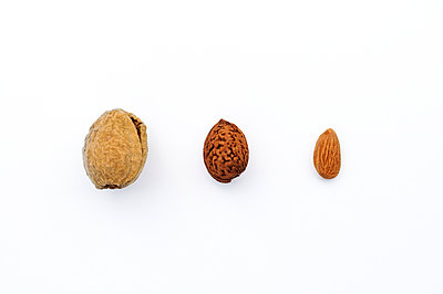 Almonds - p470m1004926 by Ingrid Michel