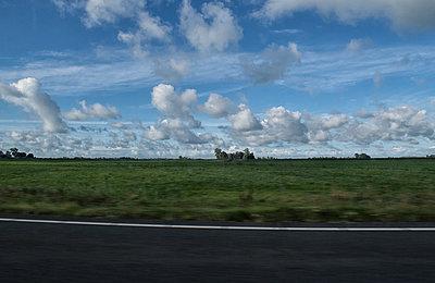 Autobahn zum Afsluitdijk - p1212m1178656 von harry + lidy
