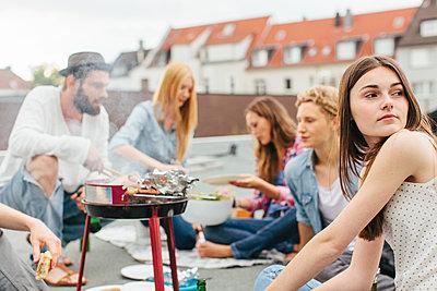 Barbecue - p586m931295 by Kniel Synnatzschke