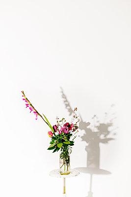 Blumenstrauss - Gladiole - Rose - p1212m1194577 von harry + lidy