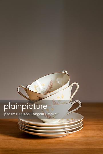 Tea time - p781m1000183 by Angela Franke