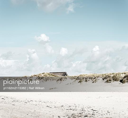 p1162m2115382 by Ralf Wilken