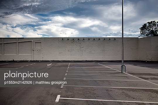 empty lot - p1553m2142926 by matthieu grospiron