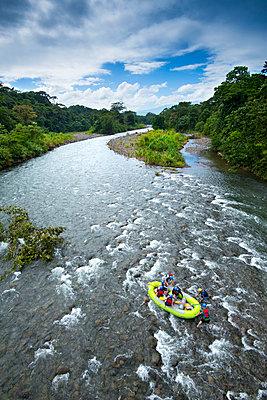 Costa Rica, Heredia Province, Sarapiqui, La Virgen, White Water Rafting, Sarapiqui River, Rainforest - p651m2032586 by John Coletti photography