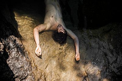 Dead man - p966m780946 by Tobias Leipnitz