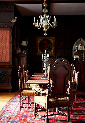 Oak panelled dining room in Grade I listed Elizabethan manor house in Kent  - p349m789796 by Brent Darby