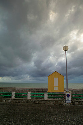 Yellow beach hut - p3882305 by Donna Weather