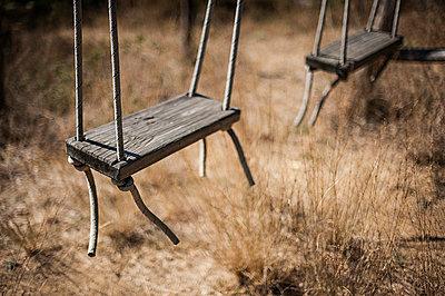 Swing - p1007m886912 by Tilby Vattard