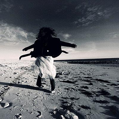 Tanzen am Strand - p9111108 von Kalanch-Oé