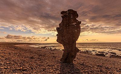 Felsformation an der Küste - p393m1115422 von Manuel Krug