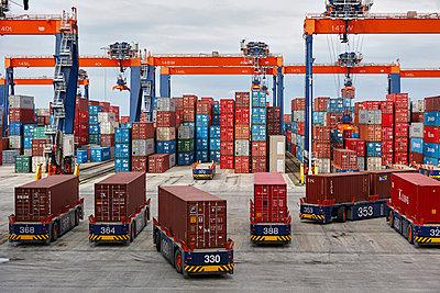 Containerterminal Singapur - p1099m882903 von Sabine Vielmo