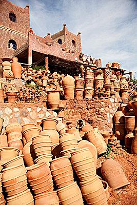 Tonkeramik, Marokko - p705m859569 von Florian Tröscher