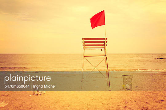 Lifeguard seat - p470m658644 by Ingrid Michel