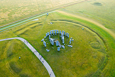 Stonehenge viewed from above, Salisbury Plain, Wiltshire, England - p651m2135786 by Gavin Hellier