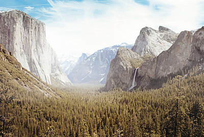 Yosemite Park - p8560149 by Pierre Baelen