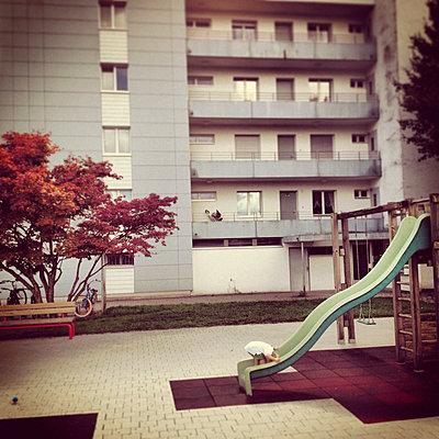 Playground - p1051m891879 by Jakub Karwowski