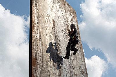 Kletterwand - p497m754578 von Guntram Walter