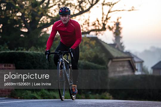 p669m1520631 von Lee Irvine