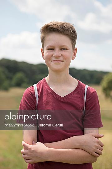 Junge in der Natur - p1222m1154553 von Jérome Gerull