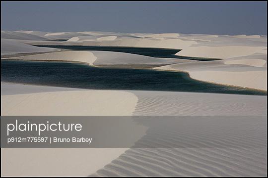 p912m775597 von Bruno Barbey