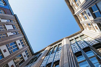 Germany, Berlin, courtyard of Hackesche Hoefe, view from below - p300m2080010 by Gaby Wojciech