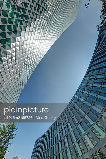 Germany, Berlin, Office buildings - p1015m2195726 by Nino Gehrig