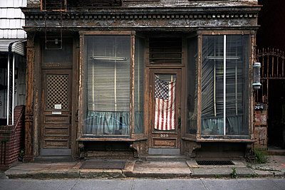 American shop front - p3881498 by Bill Davies
